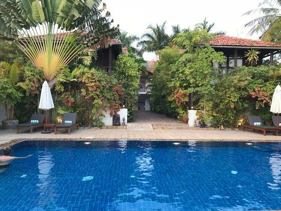 Bambu Battambang Hotel: piscine