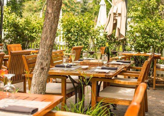Hotel Le Bonne Entente: Napa Grill terrasse