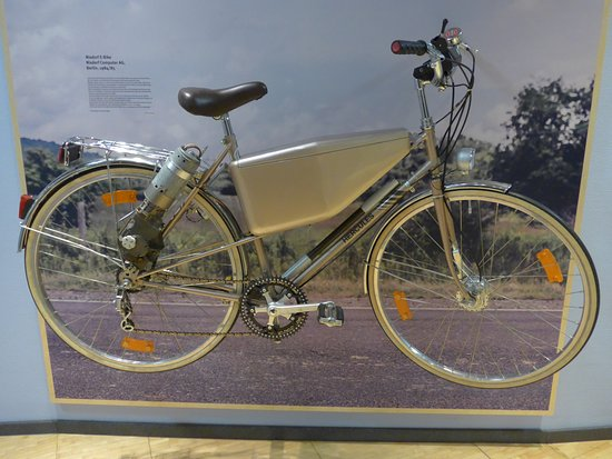 HNF MuseumsForum: First electric bike