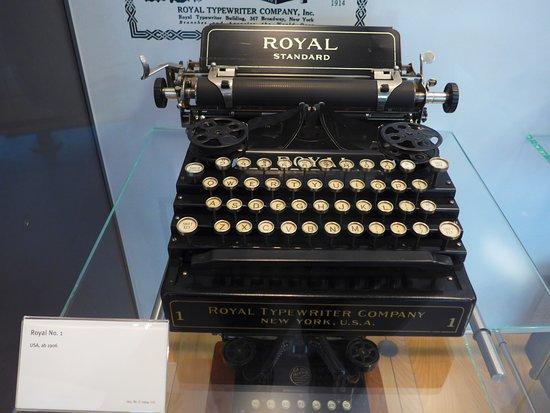 HNF MuseumsForum: typewriter