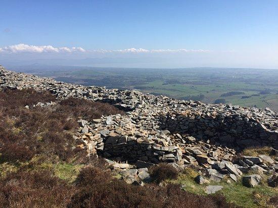 Llithfaen, UK: View inland