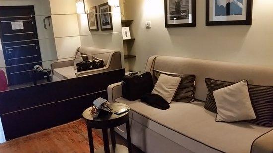 Ponte Vecchio Suites & SPA: Lounge area