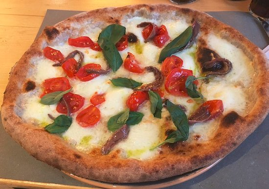 Radicondoli, Italie : Pizza Mediterranea