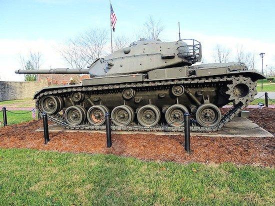 Jeffersontown, KY: M60A3TTS tank