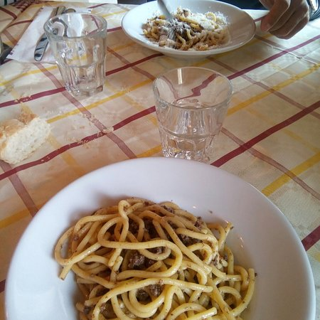 Rifugio Malga Ronchetto : Tutto ottimo come sempre, dai primi, ai secondi, i contorni, per finire con i dolci, tutto buoni