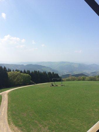 Sundern, Γερμανία: Aussichtsturm Schombergg