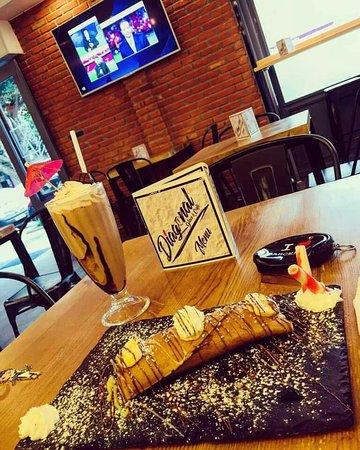 Diagonal Glace & Café