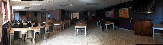 Salle arrière, Karaoké, 80 places assises