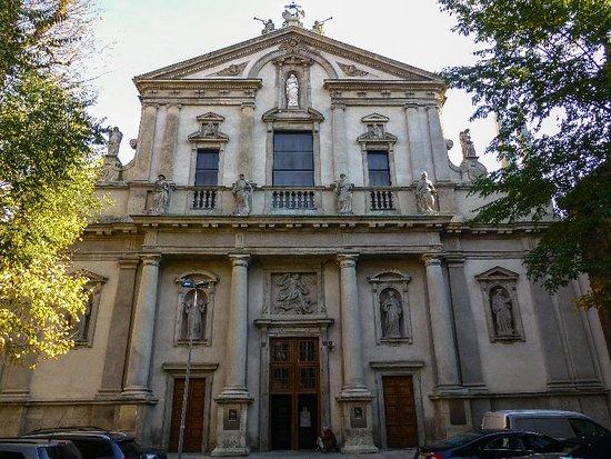 Chiesa di Sant'Angelo: Exterior