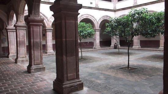 Tzintzuntzan, Mexico: The cloister