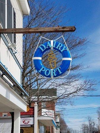 Bucksport, ME: Wahl's Dairy Port