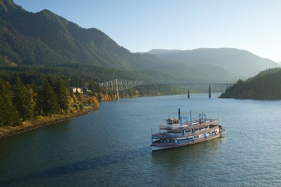 ‪Columbia Gorge Sternwheeler Dining & Sightseeing Cruises‬
