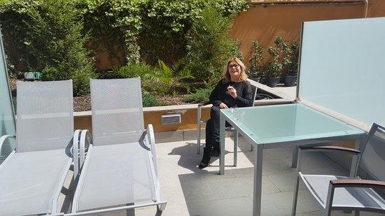 Hotel Macià Real de la Alhambra: patio particular de la habitación