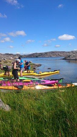 Tjorn, สวีเดน: En eftermiddag på ön Hjärterön utanför Skärhamn en liten fika och promenad över ön