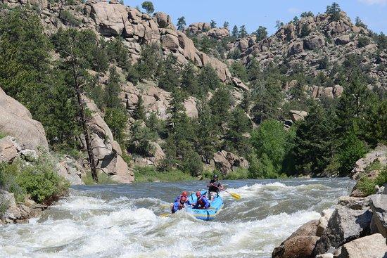 Dvorak Raft, Kayak, Expéditions de pêche : Bracing for the rapids