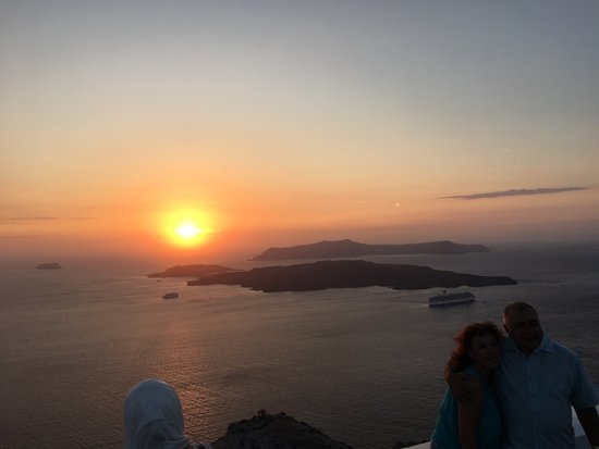 Emporio, اليونان: Sunset at Santorini. Part of our Tours