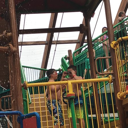 Six Flags Great Escape Indoor Water Park: Kids had tons of fun, room we have needs some renovations but the fun outweighs the faults.