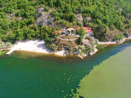 Virpazar, Montenegro: Pješačac iz aviona
