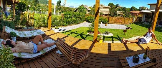 Cabanas Kanaloa: Deck de uso comum, excelente para relaxar e aproveitar o fim de tarde