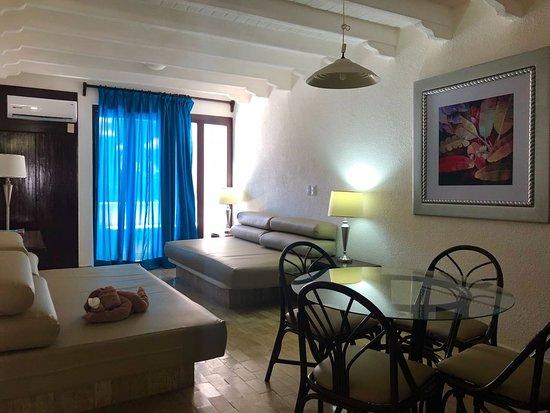 Ixtapa Palace Resort & Spa: la habitacion siempre limpia, el servicio a la habitacion de lujo