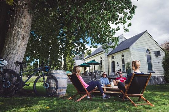 Full-Day Self-Guided Gibbston Valley Winery Bike Tour from Queenstown