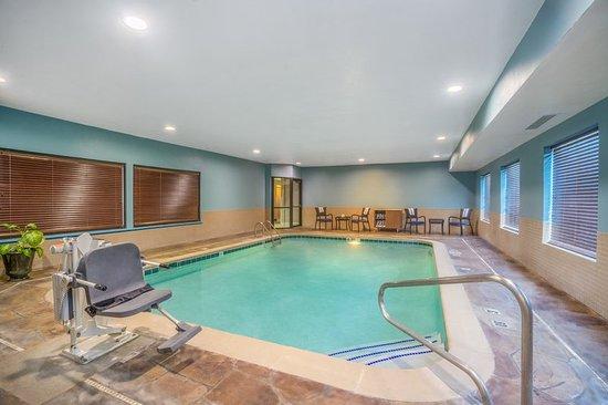 Howe, IN: Pool