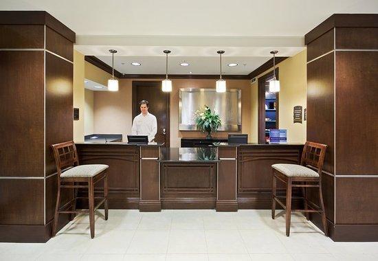 Staybridge Suites Reno Nevada: Lobby