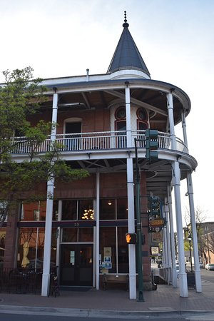 Weatherford Hotel: Hotel from the outside