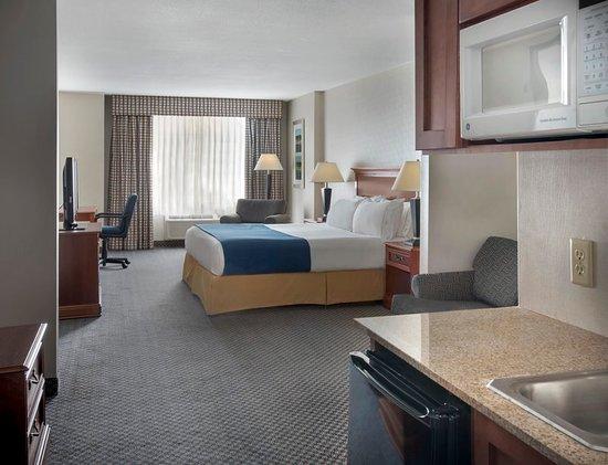 Rensselaer, NY: Suite