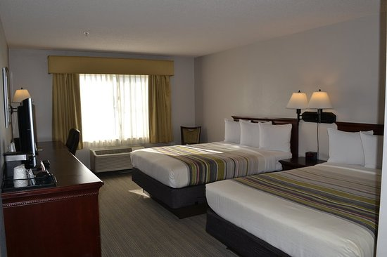 Country Inn & Suites by Radisson, Gurnee, IL: Guest room