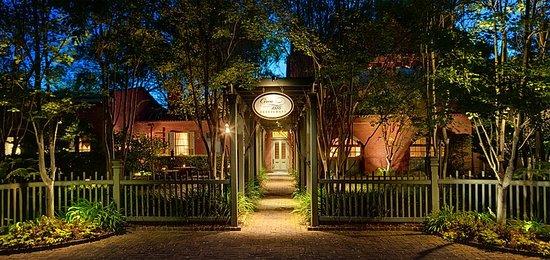 Wentworth Mansion: Restaurant