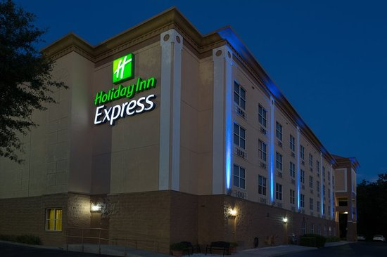 Holiday Inn Express & Suites Plant City