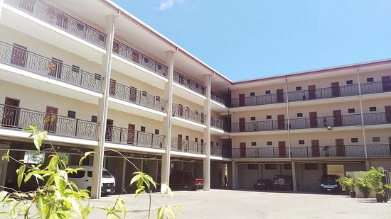 Paddy 39 s hotel and apartments for Kr motors port moresby