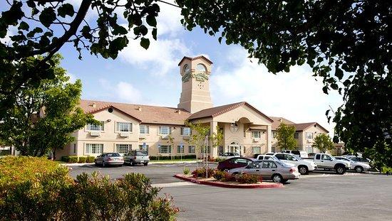 Williams, CA: Exterior