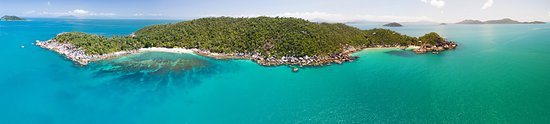 Bedarra Island, Australia: Pano of the island