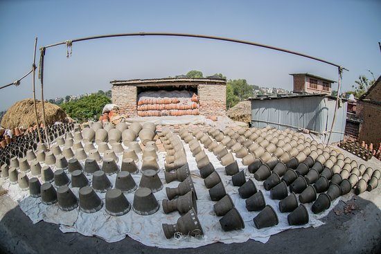 Workshop of pottery (Thimi)