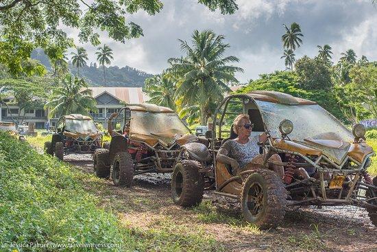 Muri, Kepulauan Cook: Buggy in action