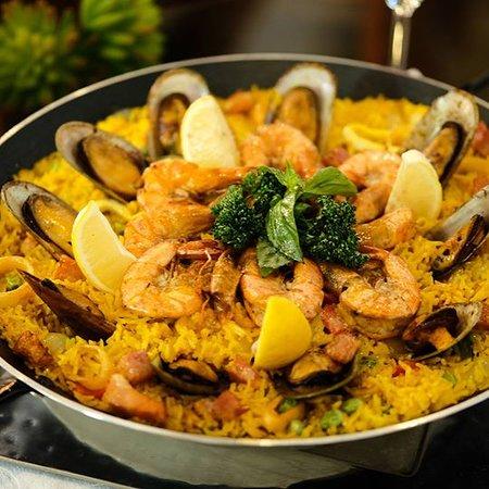 Senor De La O' Spanish Mediterranean Restaurant