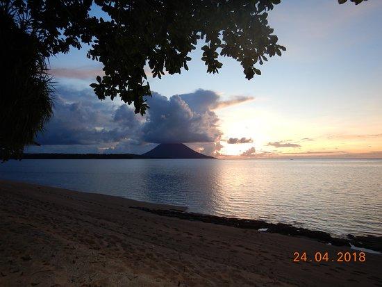 Siladen Resort & Spa: manado tua island, taken from siladen island.