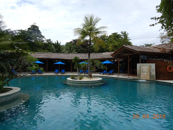 Siladen Resort & Spa: spacious pool.