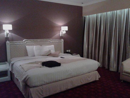 Kartika Chandra Hotel Photo