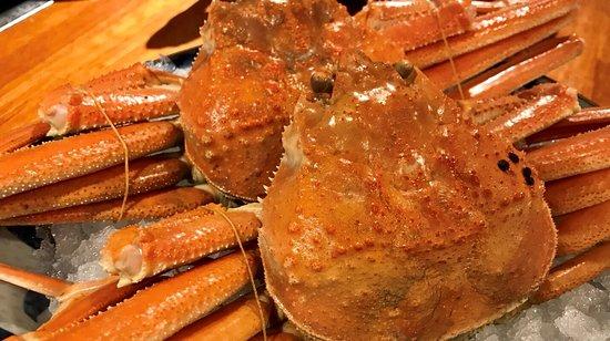 Sannomiya Kokashita Ichiba: 四季折々の食材を楽しめる