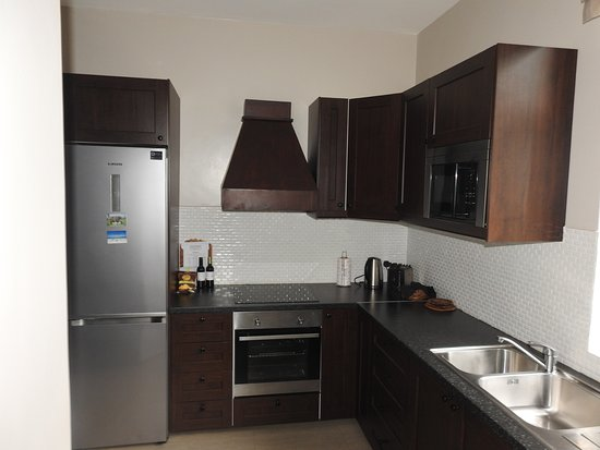 Palacina Residence & Suites: Self catering kitchen!