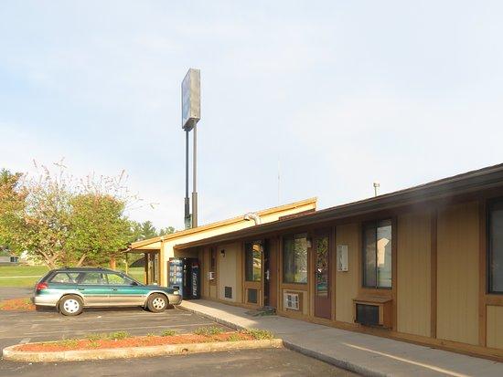 Knights Inn Martinsburg: Neat Premises