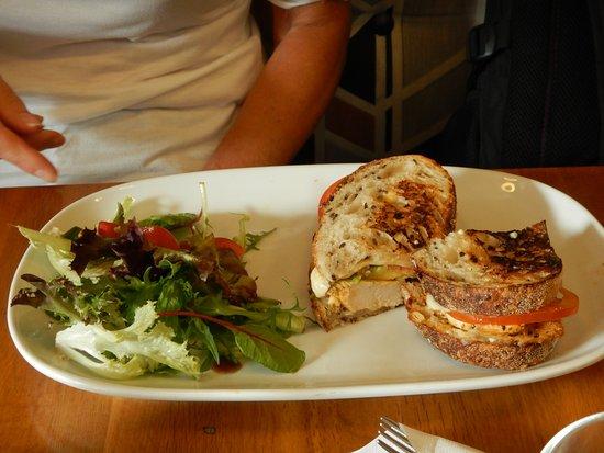Ship Inn: Cajun Chicken Toasted Sandwich