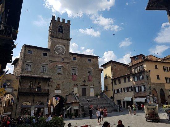 Piazza della Repubblica: 20170523_164309_large.jpg