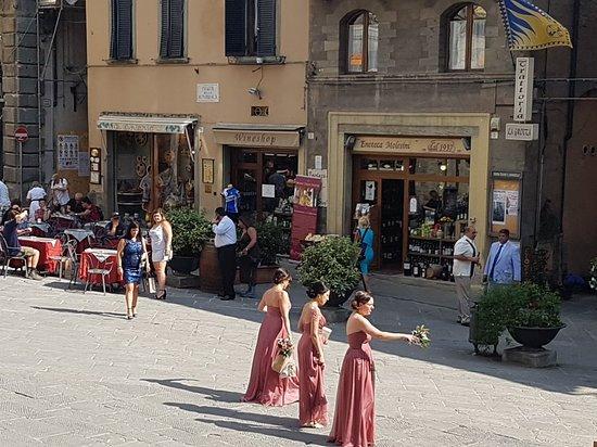 Piazza della Repubblica: 20170523_164517_large.jpg
