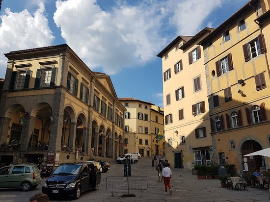 Piazza della Repubblica: 20170523_165116_large.jpg