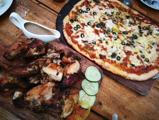 Lutong Pugon Wood Fired Pizza: Lutong Pugon