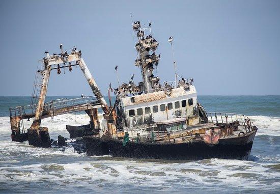 Hentiesbaai, Namibia: the Angolan Shipwreck